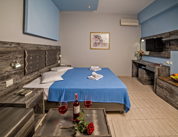 Blue Aegean Hotel & Suites in Gouves - Superior Two Bedroom Suite - Master Bedroom